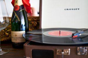デジタルと比べたアナログレコードの魅力はこの5つ